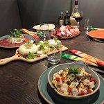comme en italie, on met tout sur la table et on partage.