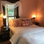 Rose Room - Sherwood Forest B&B