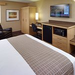 Photo of LivINN Hotel Cincinnati North / Sharonville