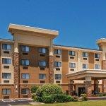 Photo of La Quinta Inn & Suites Midwest City - Tinker AFB