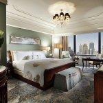 WA King Deluxe City Room