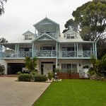 Front view of Silver Waters B&B