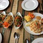 Phad Thai Som Tum Spicy pork