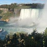 Queen Tour Niagara Falls Tours Photo
