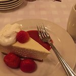 Tasty and simple cheesecake.