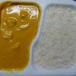 48 - Mango Chicken mit Reis - in der geschäumten Abholschale