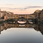 The location is a 5 minute walk to the famous Ponte Vecchio.