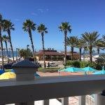 Photo de Crabby's Beachwalk Bar & Grill