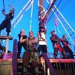 Photo de Captain Hook Barco Pirata Pirate Ship