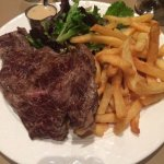 Dinner with the cold fries: entrecote sauce poivre
