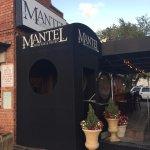 Foto de Mantel Wine Bar & Bistro