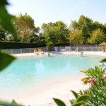 Un lagon de plus de 450 m2 au Lagon de la Prée by Camping Le Pré Vert