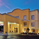 Photo de La Quinta Inn & Suites Florence