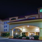 Photo of La Quinta Inn & Suites Paris