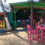 Foto de Barefoot Bar