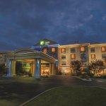 Photo of Holiday Inn Express Buffalo Airport