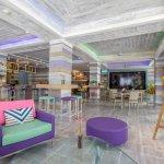 Aqua Pool Bar & Cafe