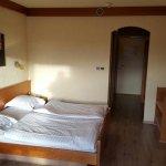 Photo de Hotel Aux Trois Roses