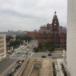 Foto de La Quinta Inn & Suites Dallas Downtown