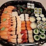 Super sushis le patron et très simpatique les produits sont frais la présentation et au top je v