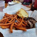 Smokin Yard's BBQ resmi