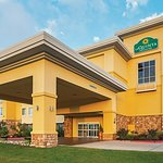Photo of La Quinta Inn & Suites Ft. Worth - Forest Hill