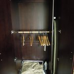 Wardrobe with low clothes rod