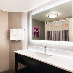 Foto de La Quinta Inn & Suites Las Vegas Summerlin Tech