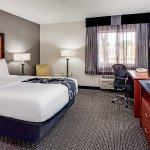 Foto de La Quinta Inn & Suites Cleveland - Airport North
