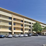 Photo of La Quinta Inn & Suites Cleveland - Airport North