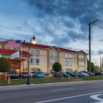 Photo of La Quinta Inn & Suites Tampa Bay Area-Tampa South