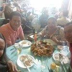 Junto a buenos amigos disfrutando el piqueo de mariscos!!!!