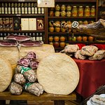 Food walking tour in Bologna