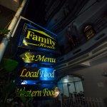 Family Home Restaurant Foto