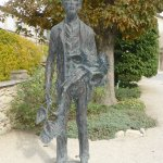 statue de Van Gogh dans le jardin