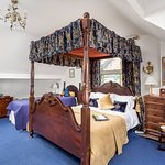 Room 6 - (Four Poster Double Bed with up to 2 Single Beds)