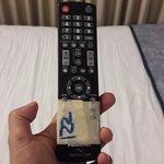 control remoto tv pegado con cinta de enmascarar