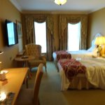 Overall it was a decent room, just very expensive for the guest service and amenities provided.