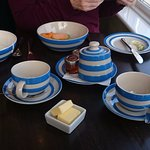 Breakfast crockery