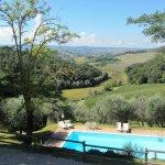 mit Blick in die Hügel der Toskana