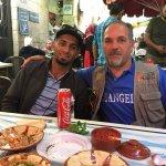 Mohammed le guide, à droite et Steeve, notre chauffeur à gauche