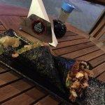 Temaki de salmão e o outro skin, muito bom