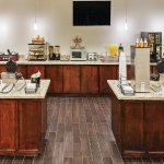 Photo of La Quinta Inn & Suites Houston Willowbrook