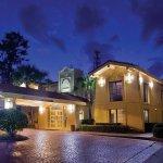 Photo de La Quinta Inn Savannah Midtown