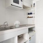 Studio with bath, kitchenette - Cooking elements, microwave, fridge and sink