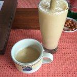 banana smoothie (bamboo straw)