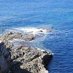 Die bizarre Küste lädt zum Wandern ein