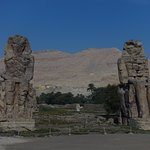 Foto de Colossi of Memnon