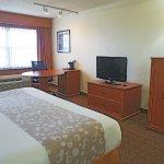 Photo of La Quinta Inn & Suites Coral Springs University Dr