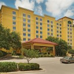 Photo of La Quinta Inn & Suites San Antonio Medical Center